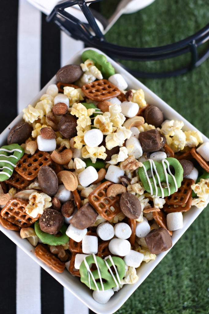 Winning Game Day Snacks: Football Party Mix