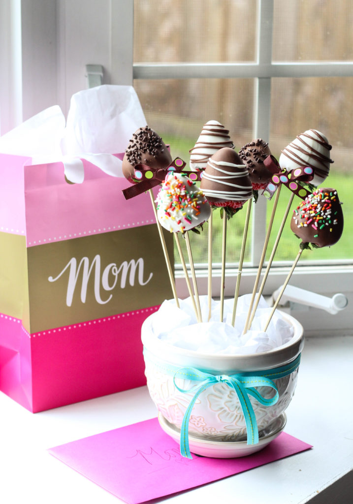 Easy Chocolate-Covered Strawberry Bouquet – Life a Little Brighter