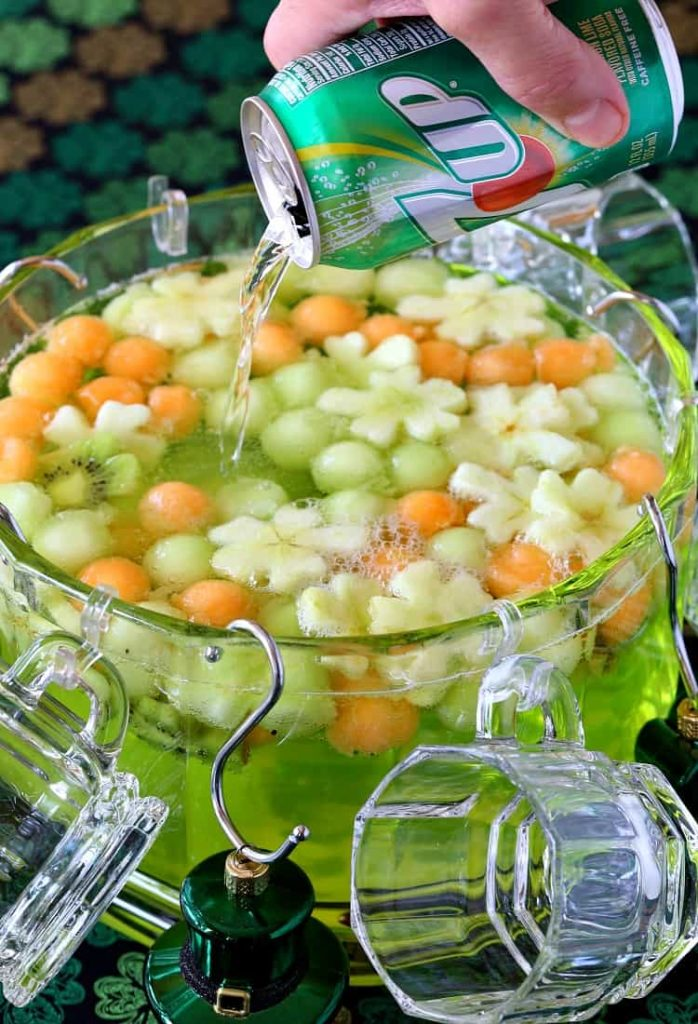 Boozy Shamrock Party Punch – Mantitlement